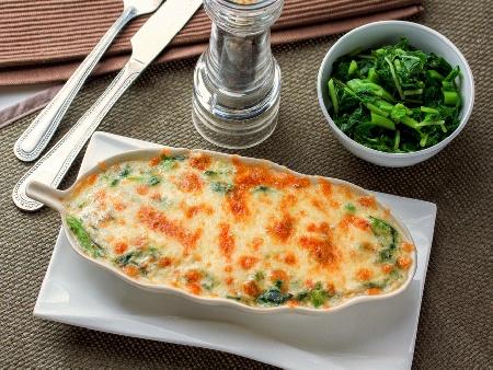 Запеканка с картофи, спанак, яйца и сирене - снимка на рецептата